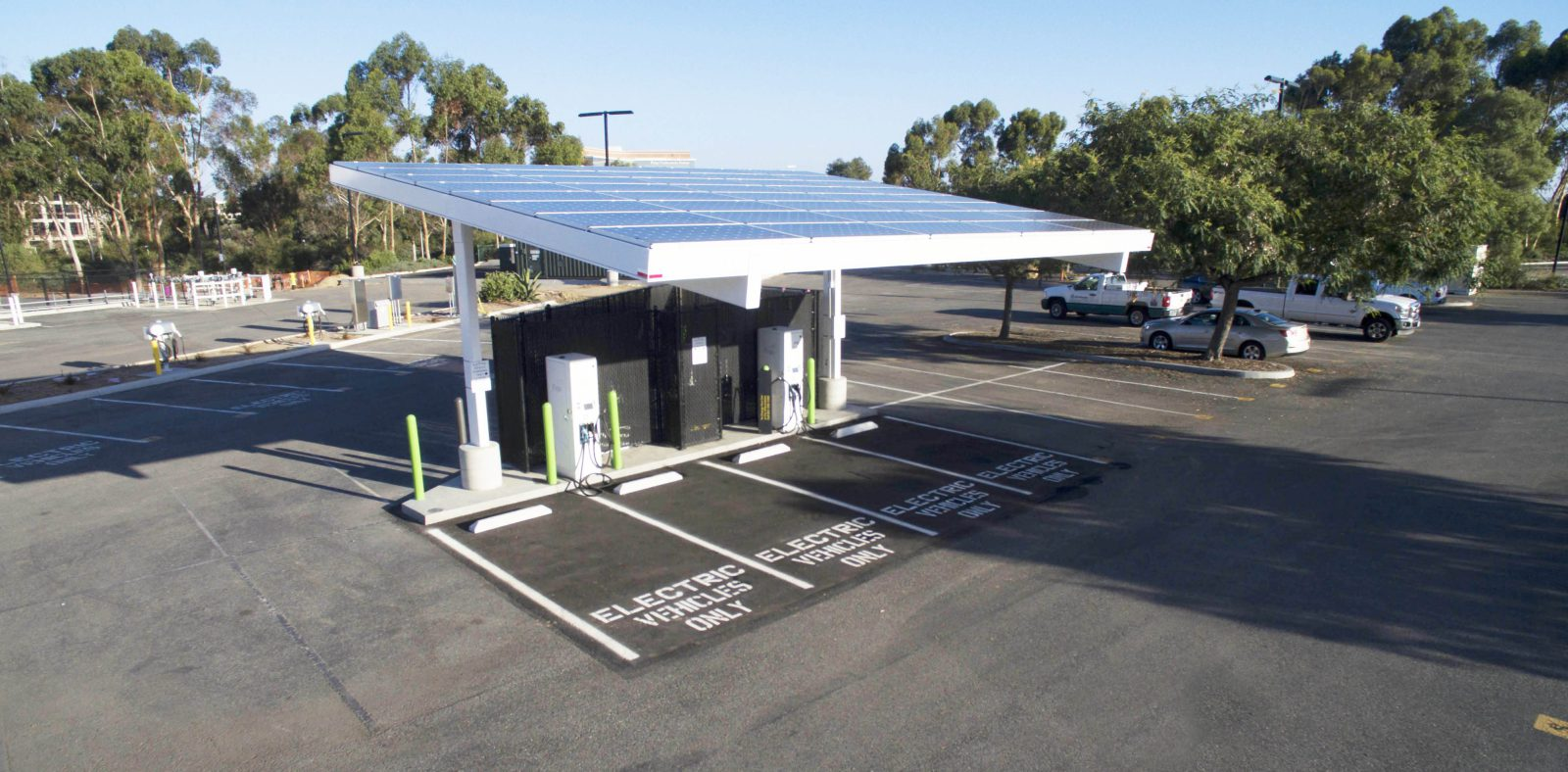 Audi Bay Area >> Chevron starts deploying EV charging stations at its gas stations - Electrek