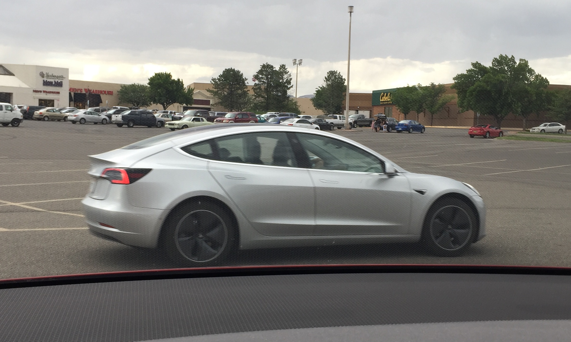 Tesla Model 3 engineer gives insights into driving experience