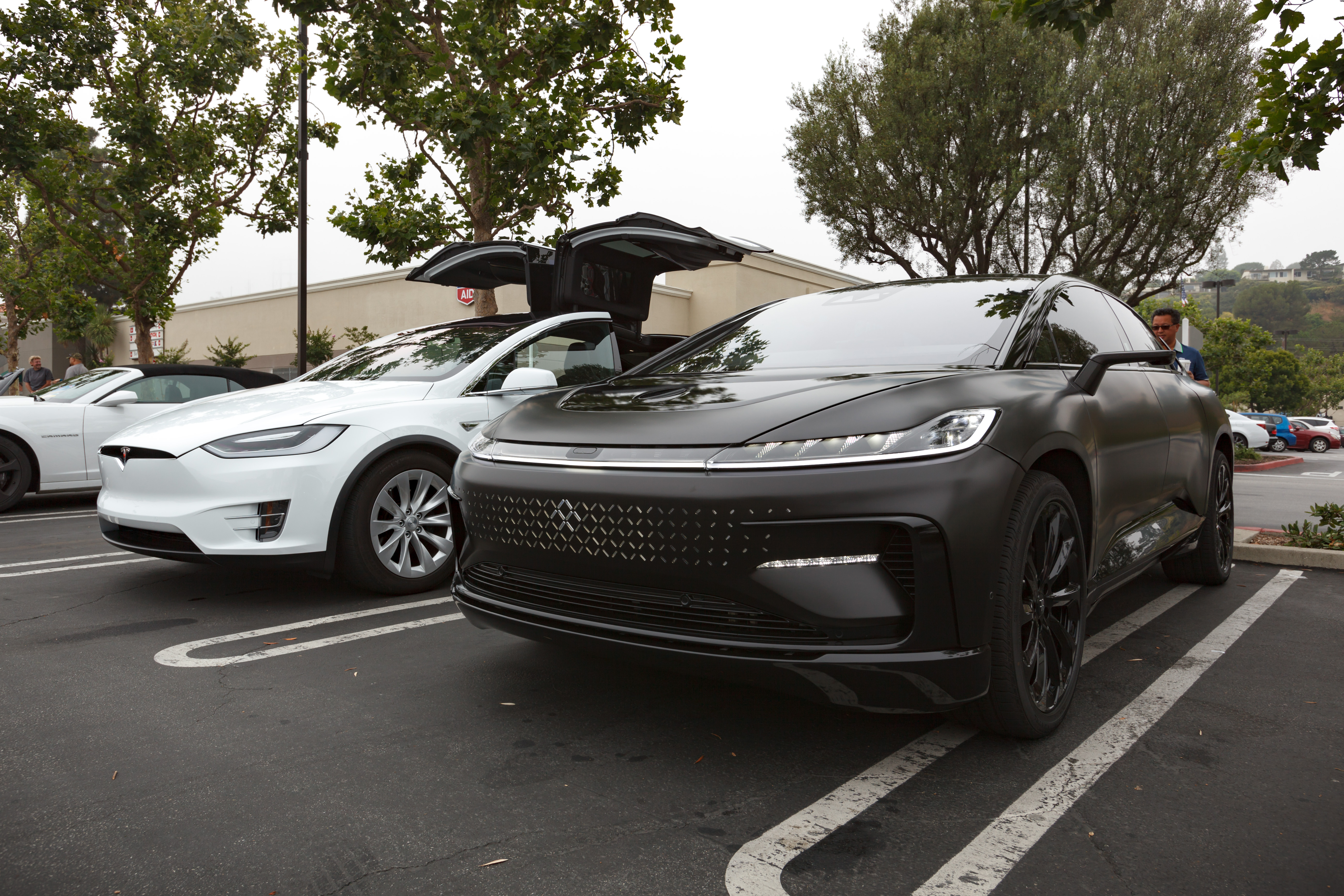 As You Can See The Vehicles Look About Same Size But Ff91 Is Significantly Longer At 206 7 Versus Model X S 198 3