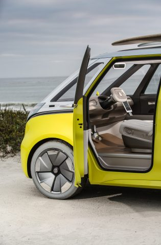 Vw Teases Electric And Autonomous Van Life With New Id Buzz Microbus Video Electrek