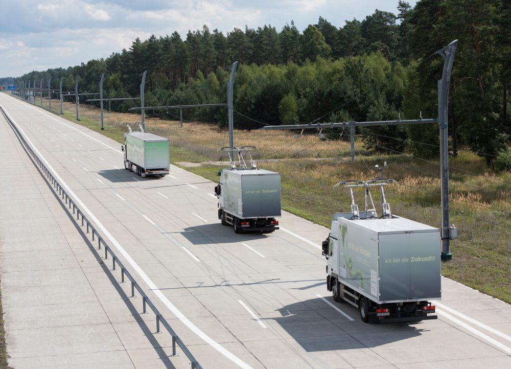 L'Allemagne teste les autoroutes électriques pour les camions ! Par Hilaire Picault  Soicmol201428-03_300dpi