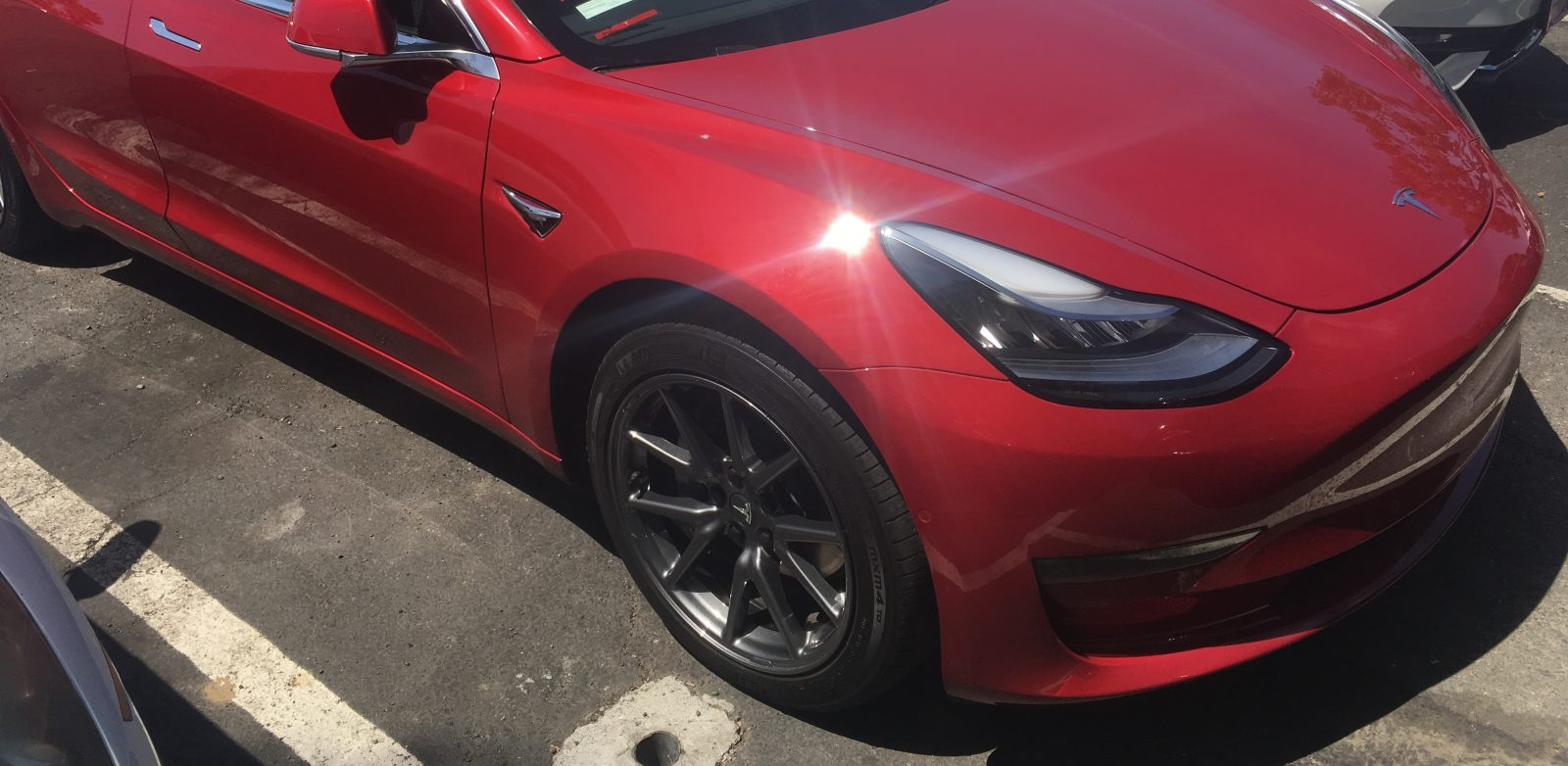 Tesla Model 3 S Aero Wheels Look Awesome Without Their Caps