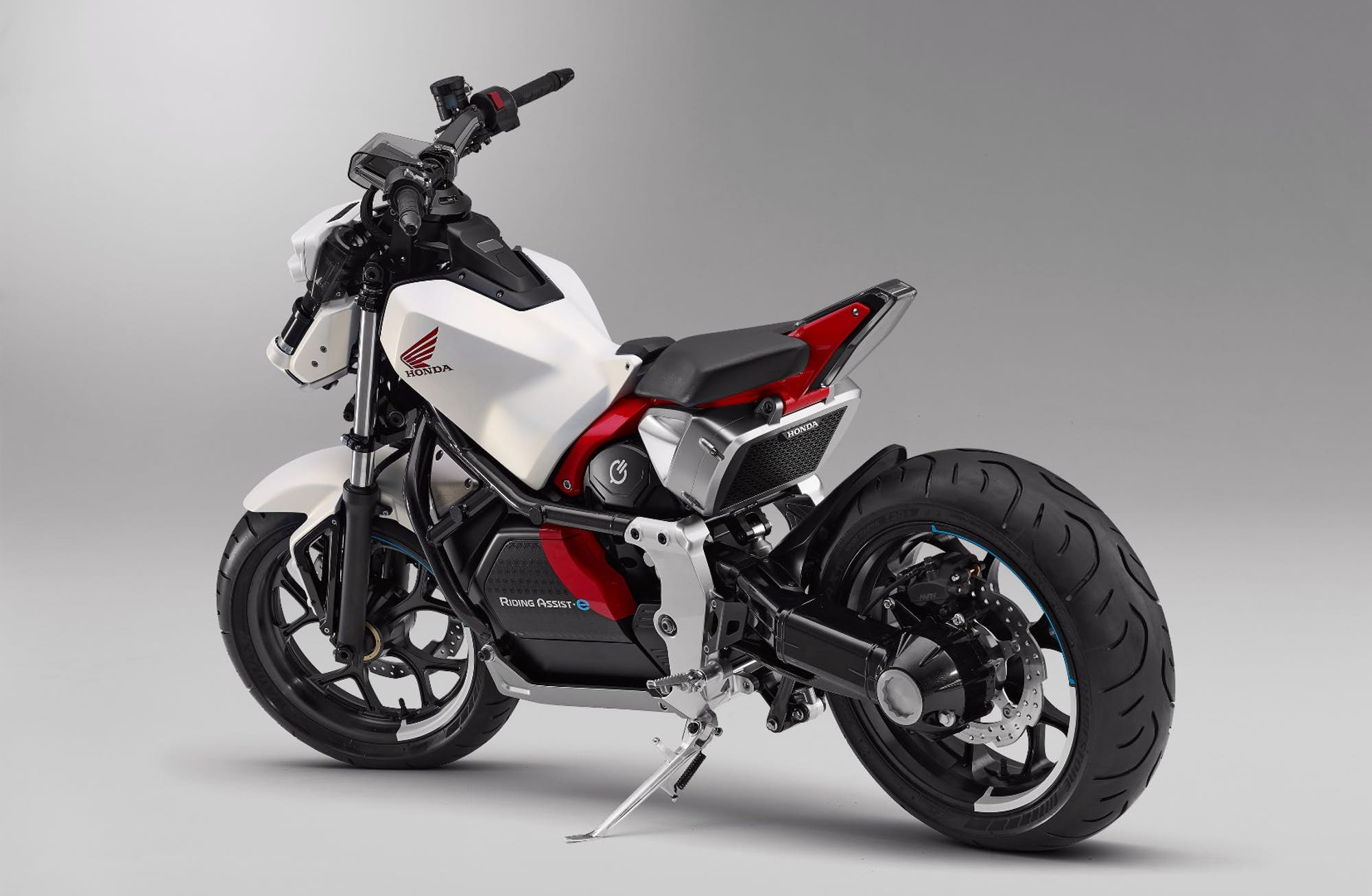 Honda Introduces Riding Ist E Self Balancing Electric Motorcycle