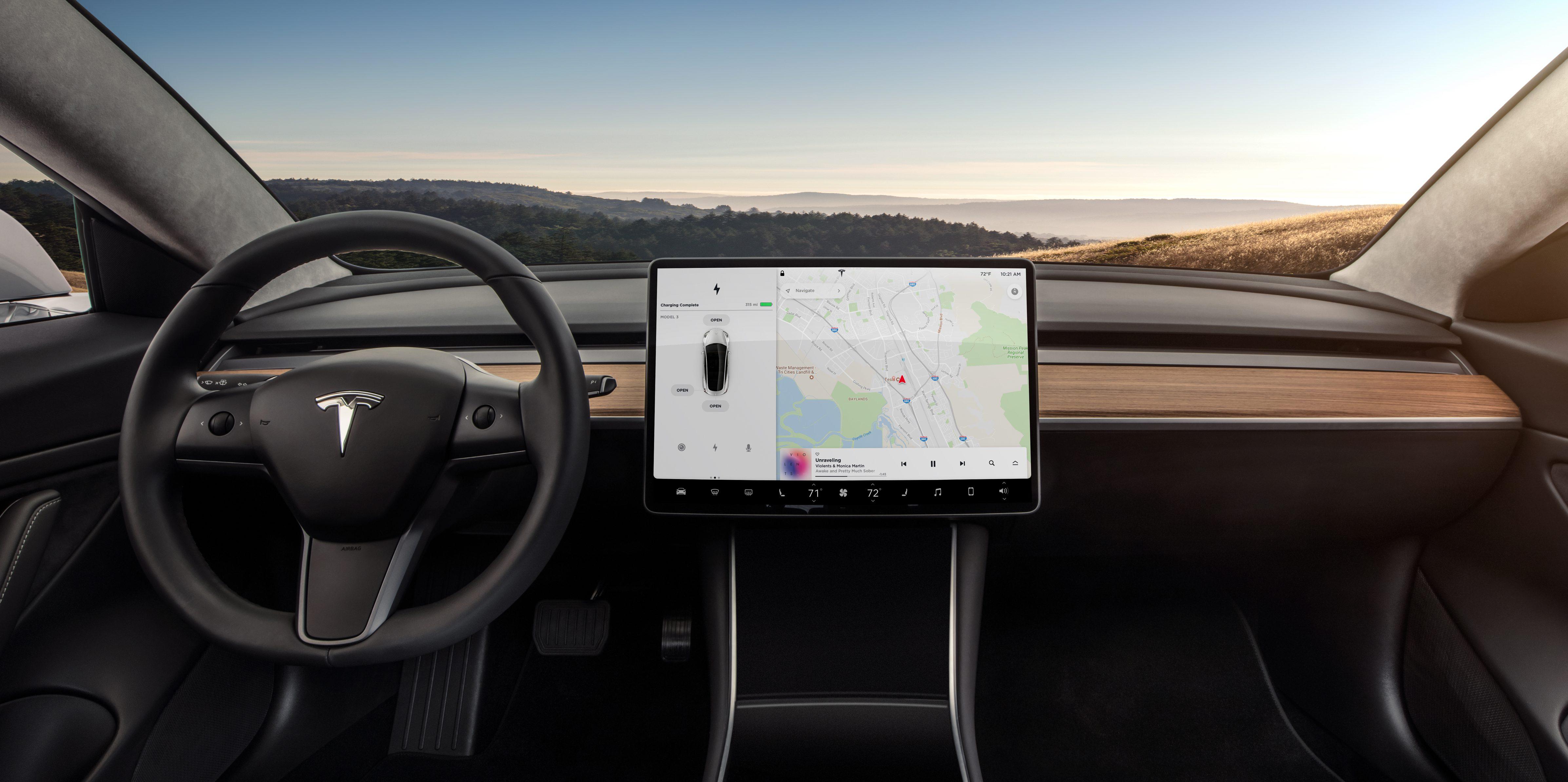 Does tesla model 3 have autopilot