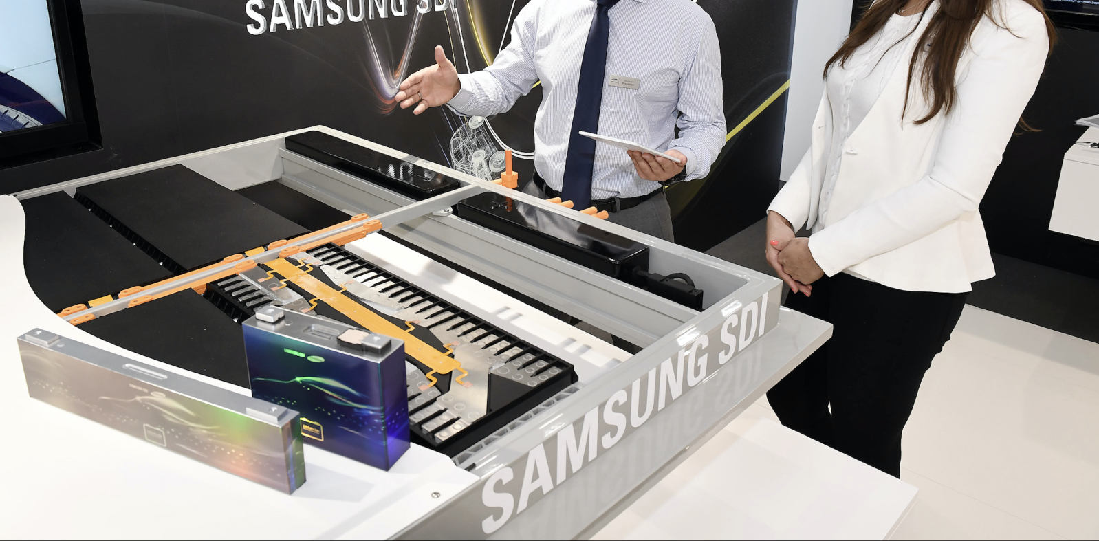 Samsung unveils new electric car batteries for up to 600 km (430 miles) of range