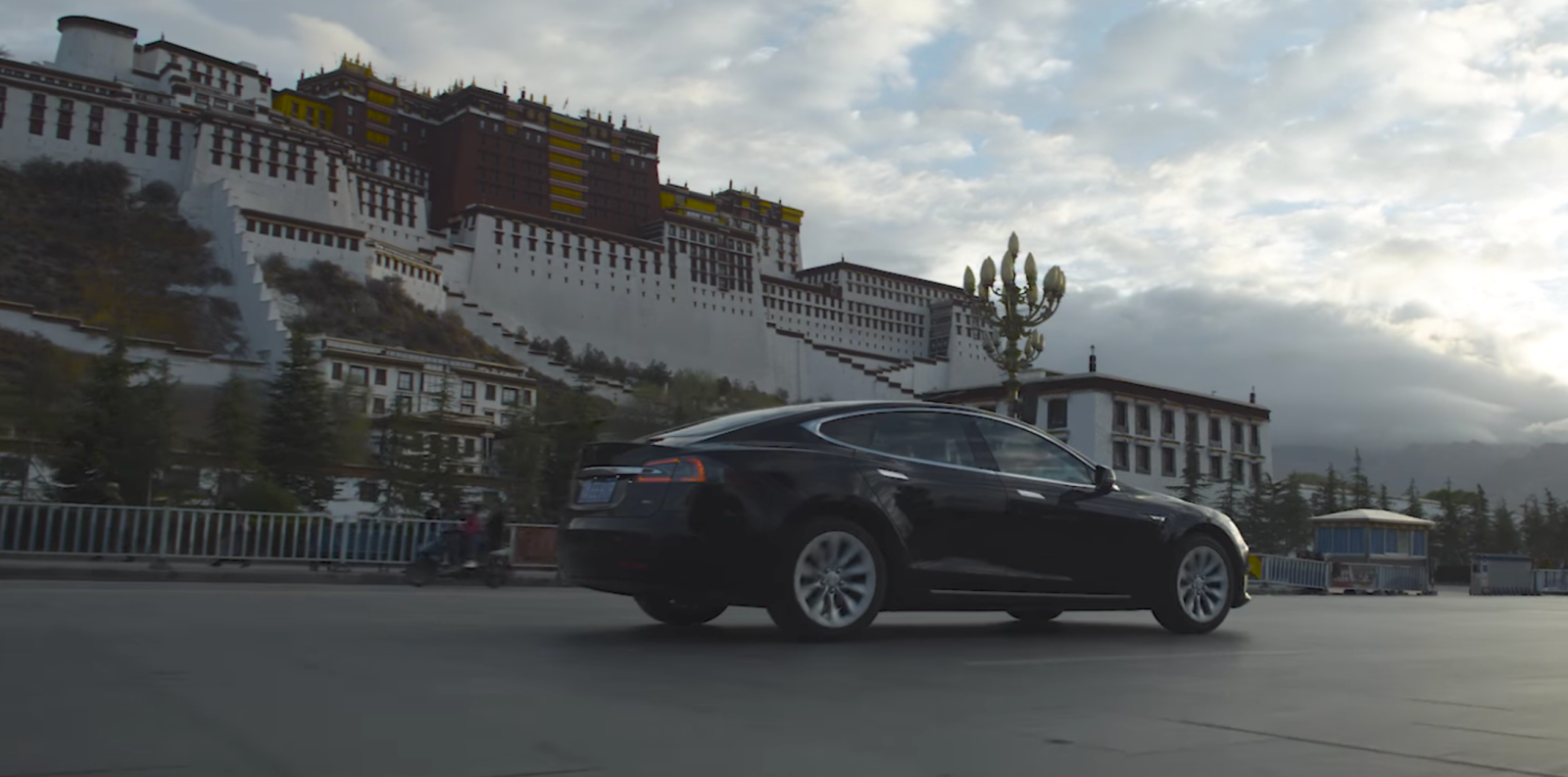 Tesla highlights growth in China, says 1,000 Superchargers