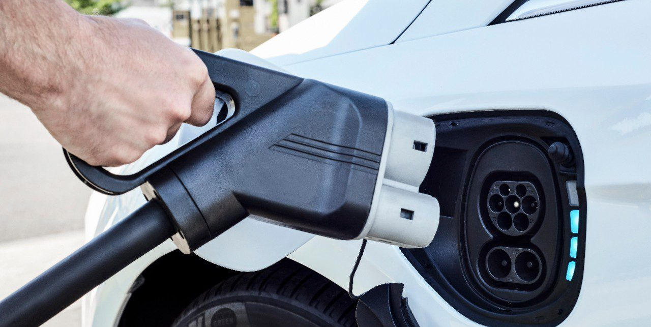 Electric Vehicle 7 500 Tax Credit Expected To Go Away With New House Bill Updated