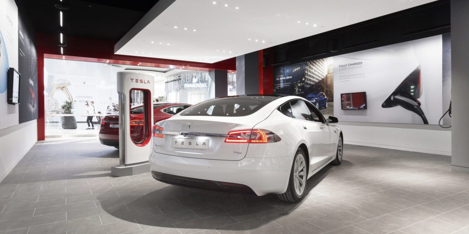 Local Car Dealers >> Tesla S Stores Are Threatened Again By Lobbying From Local Car