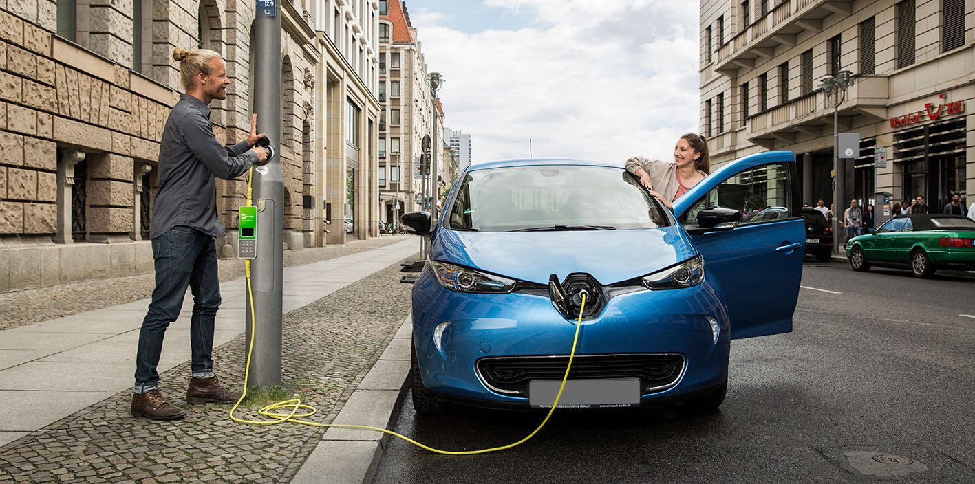 London Is Installing Electric Car Charging Stations Inside Lamp Posts For Street