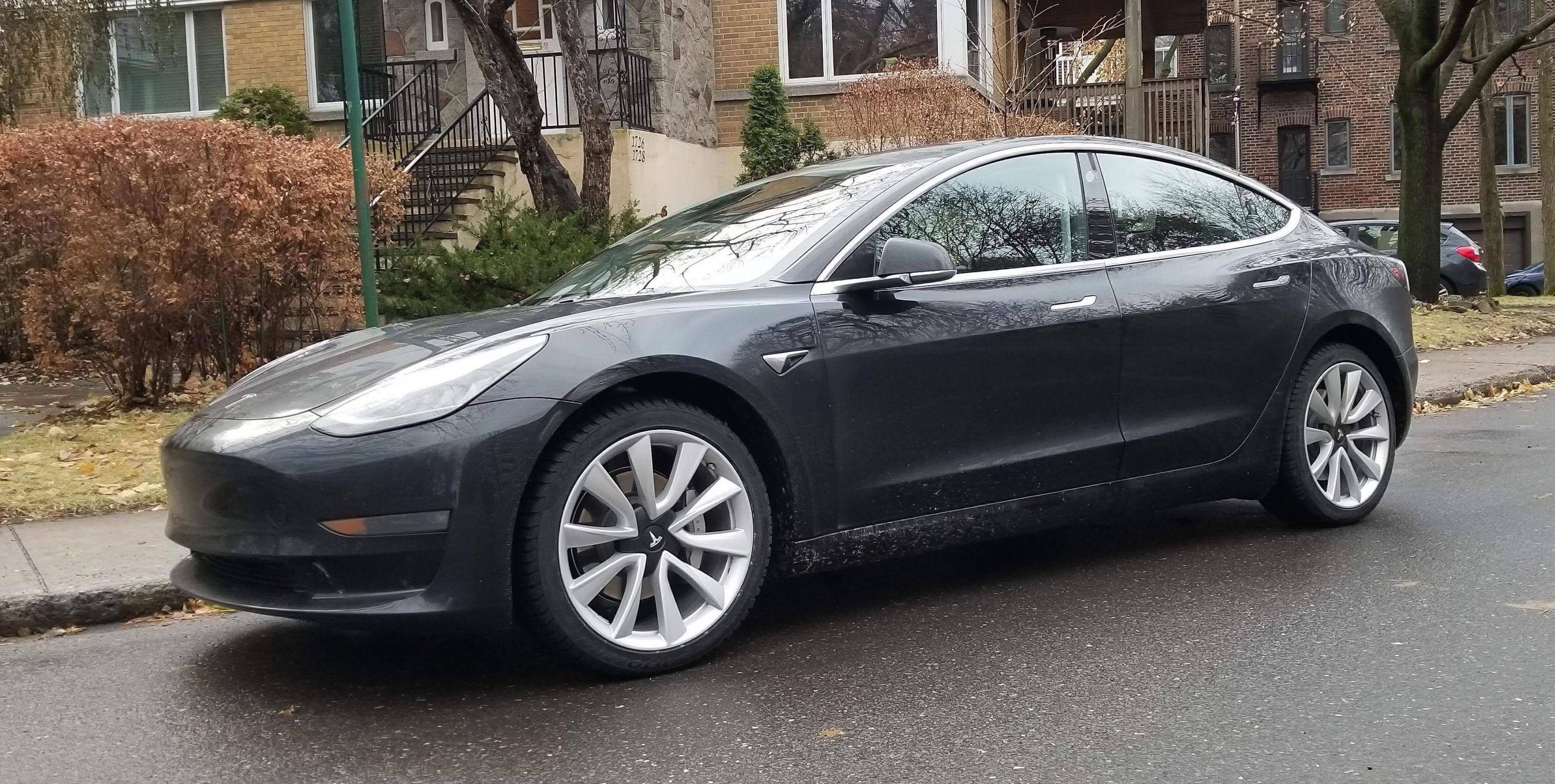 Tesla releases Model 3 warranty with new 70% battery capacity retention guarantee