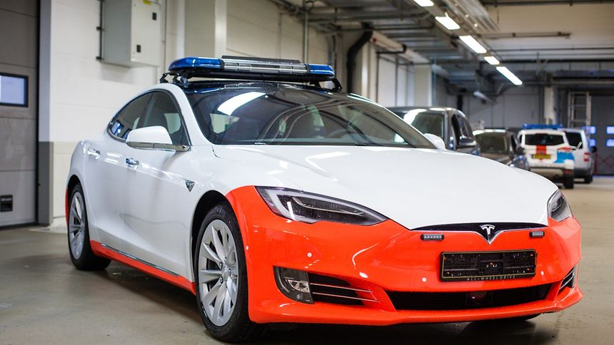 first look at new tesla model s police cars electrek