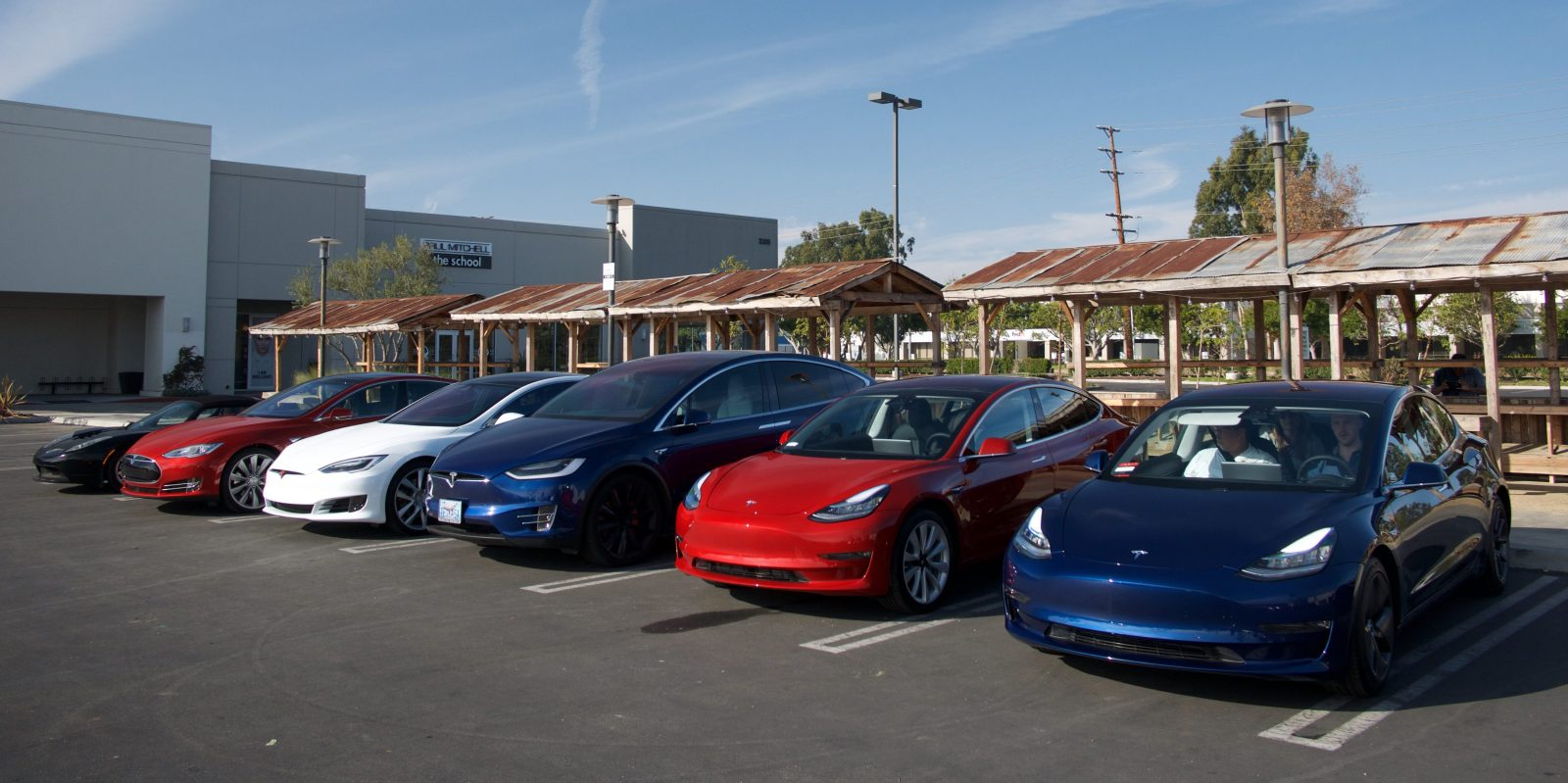 Tesla Model 3 Sales Beat Bmw 3 Series And Mercedes C Class During