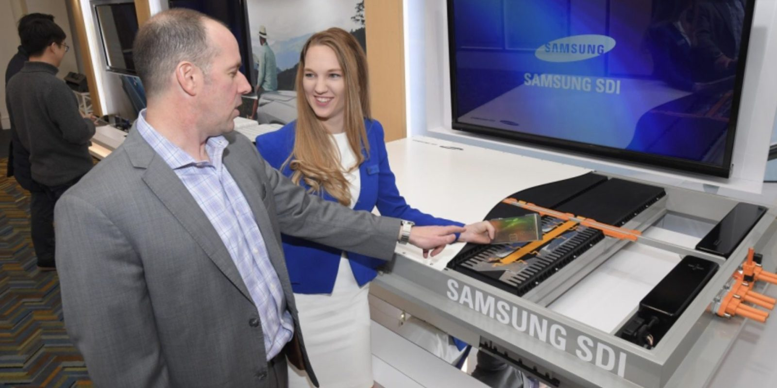 Samsung SDI unveils new batteries to increase electric car