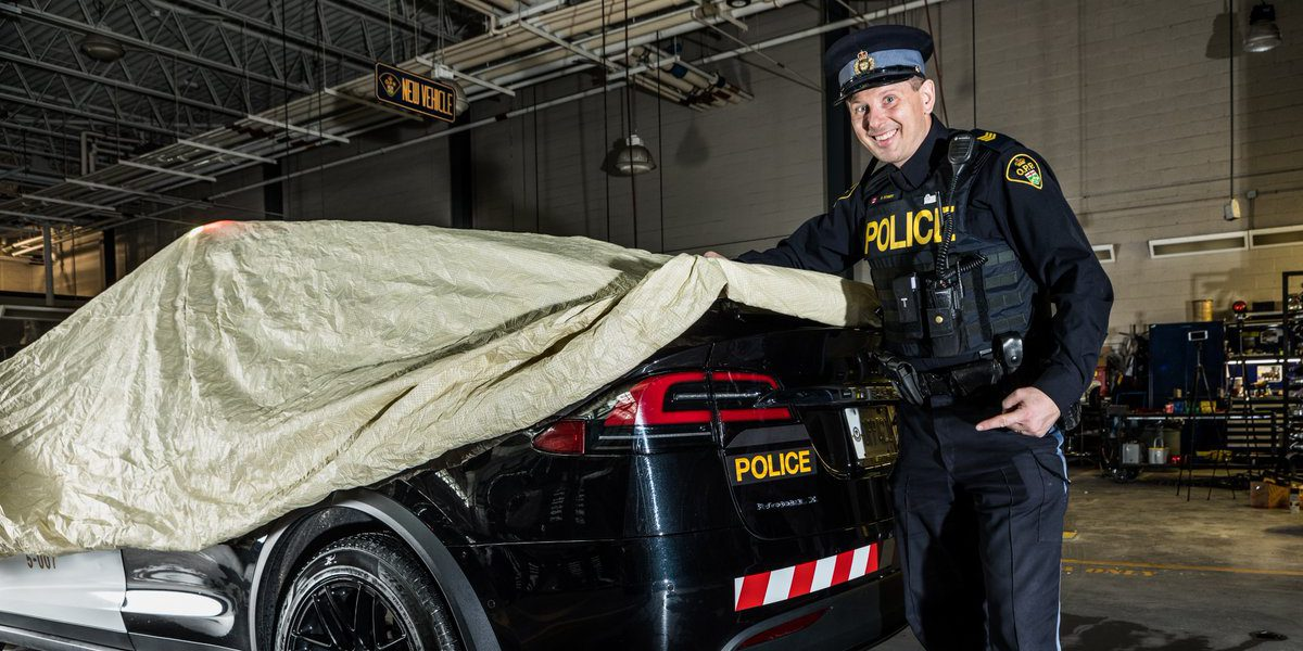 Ontario Quality Motors >> Tesla Model X all-electric SUV converted into police cruiser by Ontario Police - Electrek
