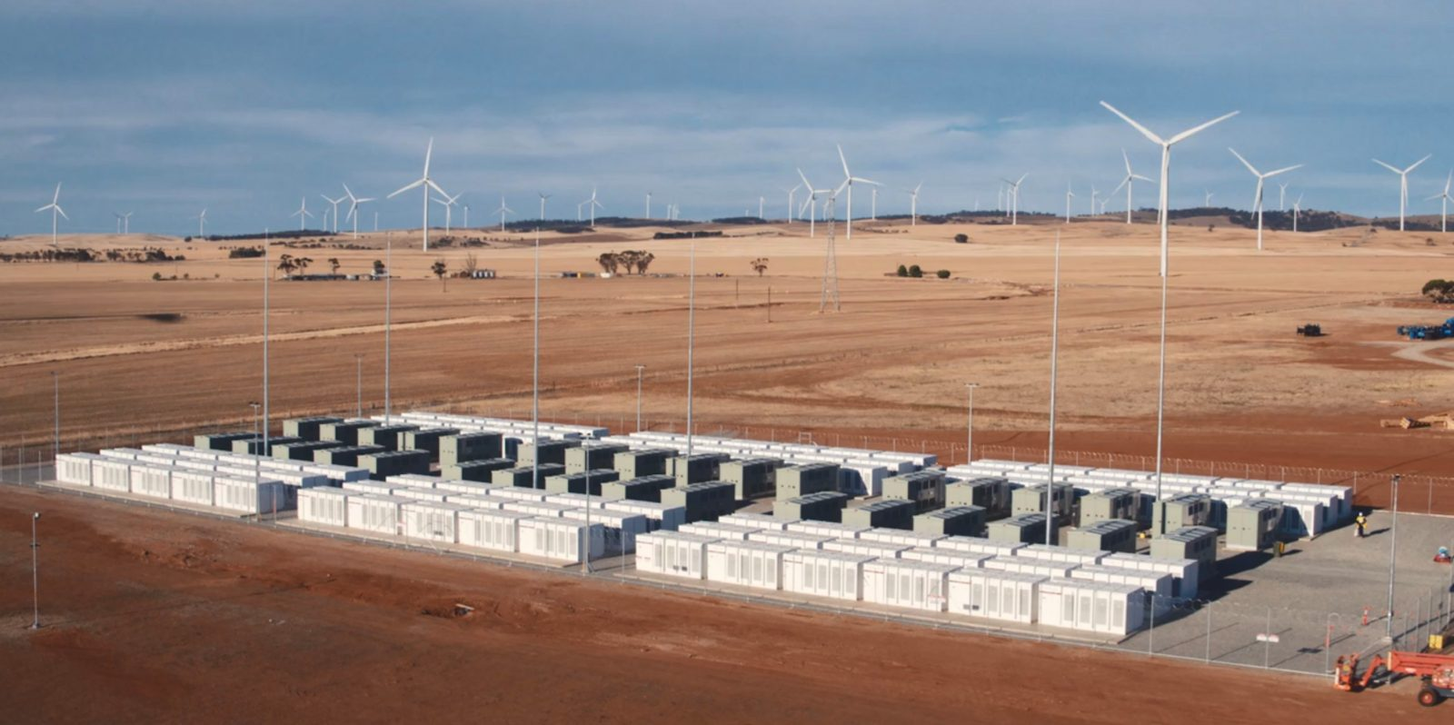 Tesla teases a potential giant new record-breaking 1 GWh energy