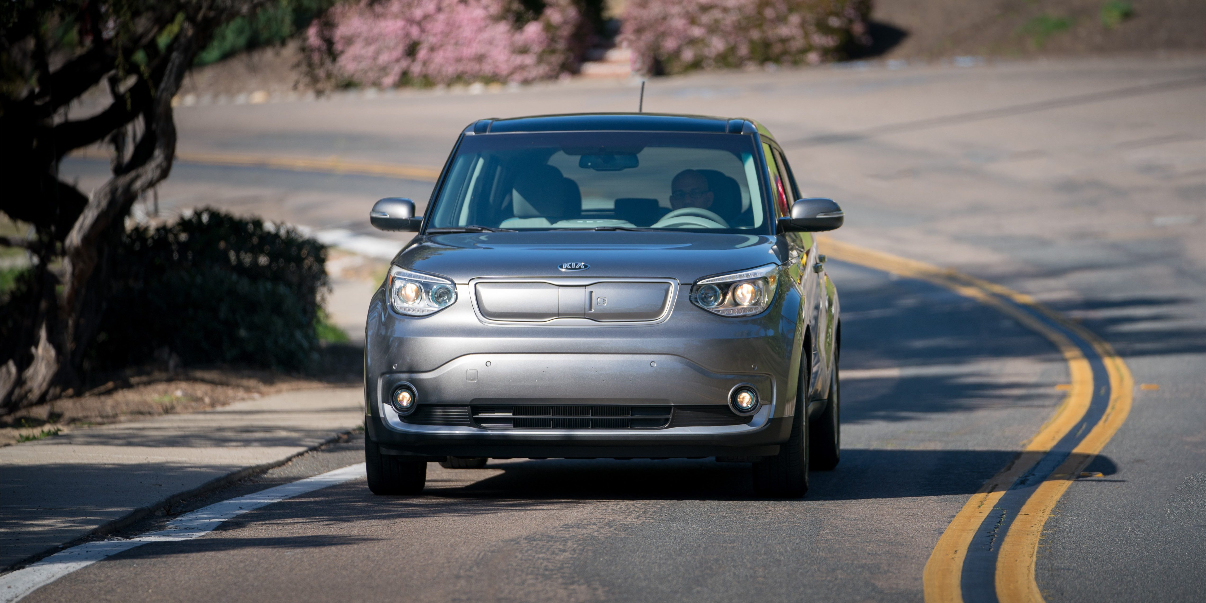 Kia Developed A Wireless Charging System For The Soul Ev Electric