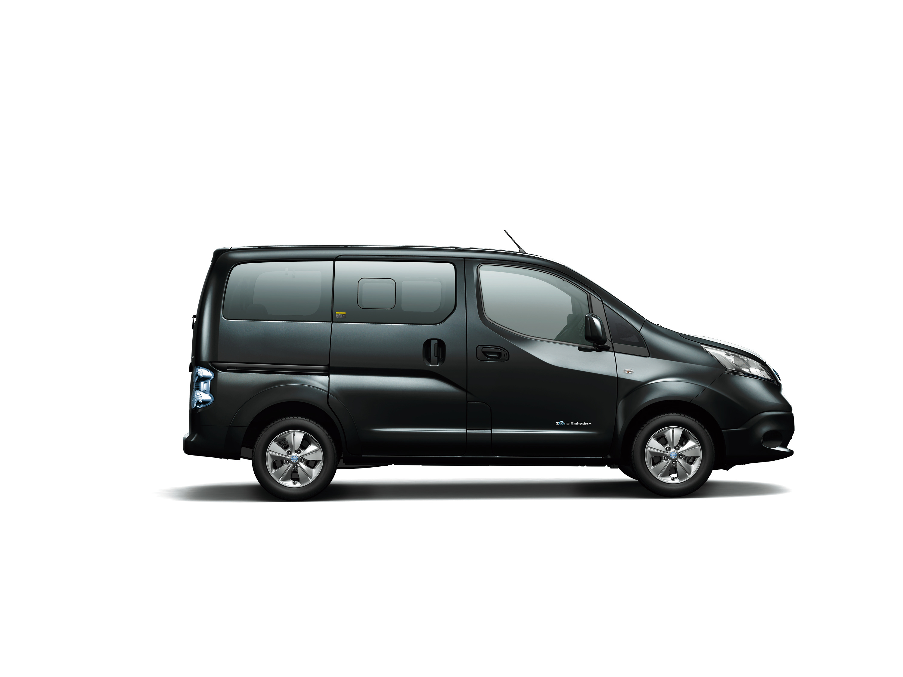 Like The New Leaf E Nv200 Also Features A Bi Directional Charging Technology Which Enables Operators To Return Excess Energy D In Battery