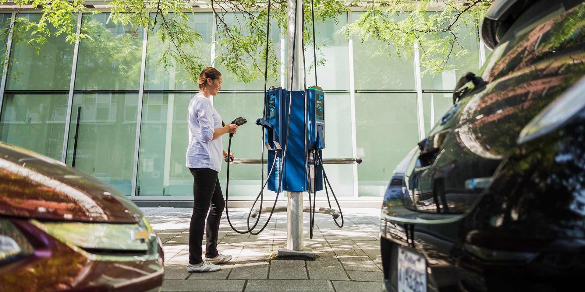 NYC will get curbside EV charging, but ConEd's pricing will make people sad - Electrek
