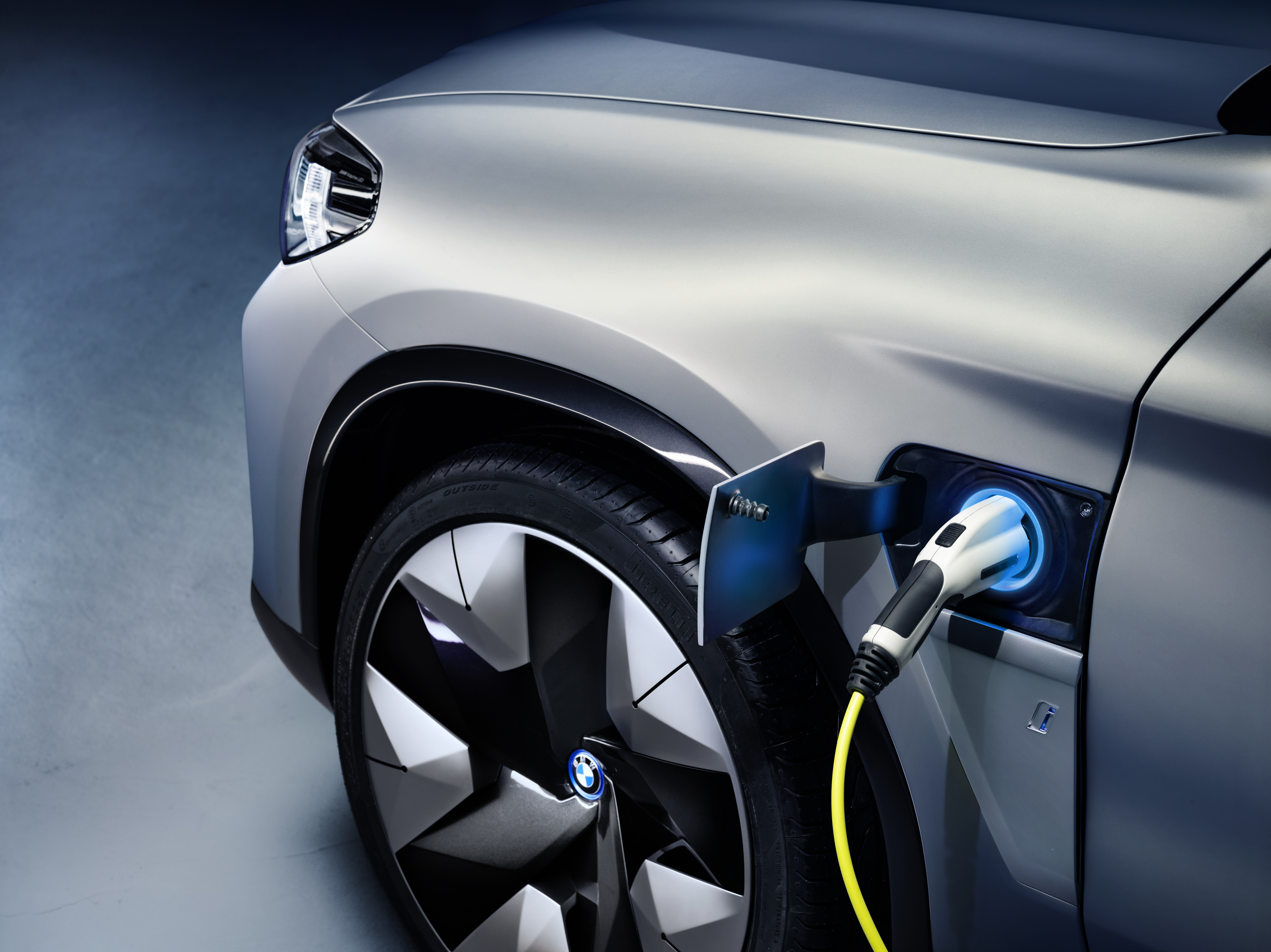 Bmw Starts Taking Orders For Electric Ix3 Suv As German Automakers