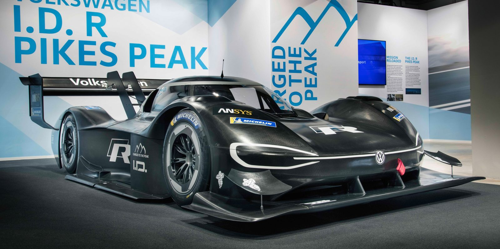 Vw S All Electric Race Car Sets Fastest Time In Pikes Peak Qualifying Round