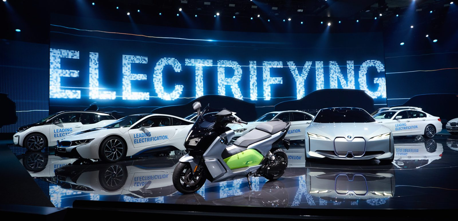 Bmw Lays Out Its Latest Electric Vehicle Plan Electrek