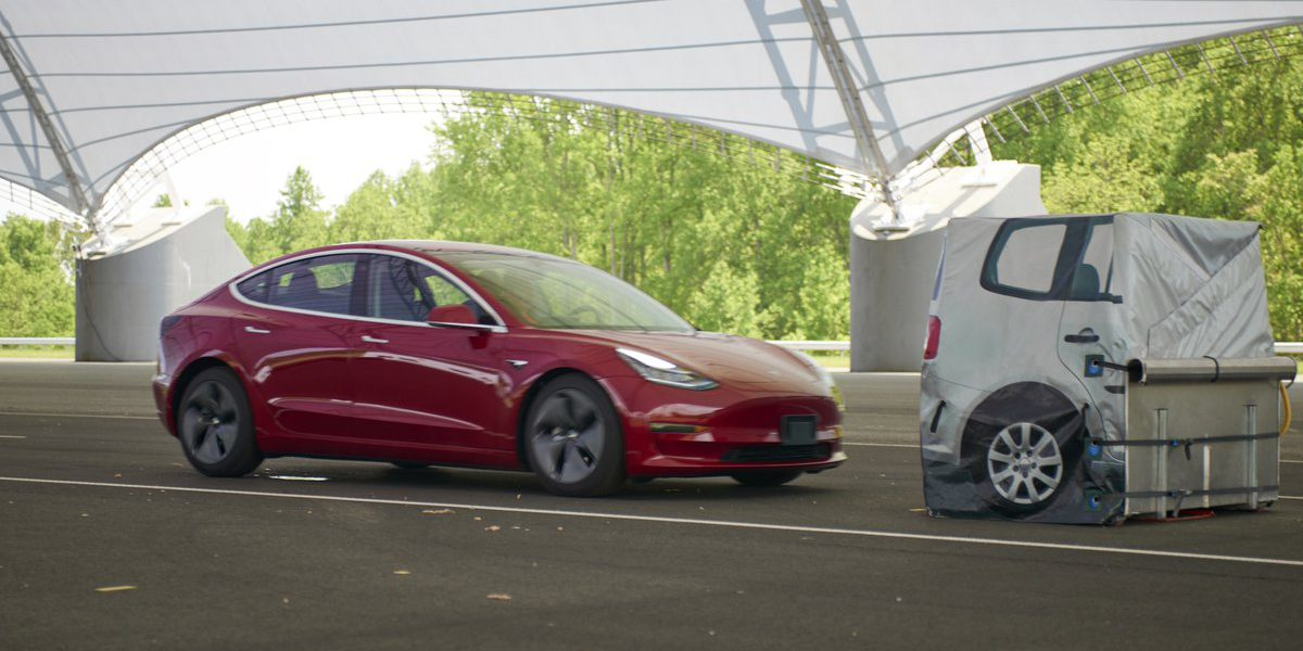 Tesla Model 3 Shows 60 0 Mph Braking Weakness In Cr Tests Fires Back With Own Test Results