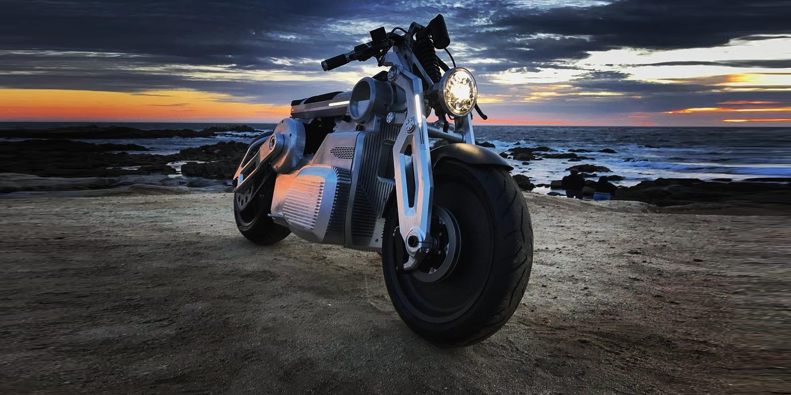 Curtiss Motorcycles unveils Zeus, a crazy powerful dual motor electric motorcycle