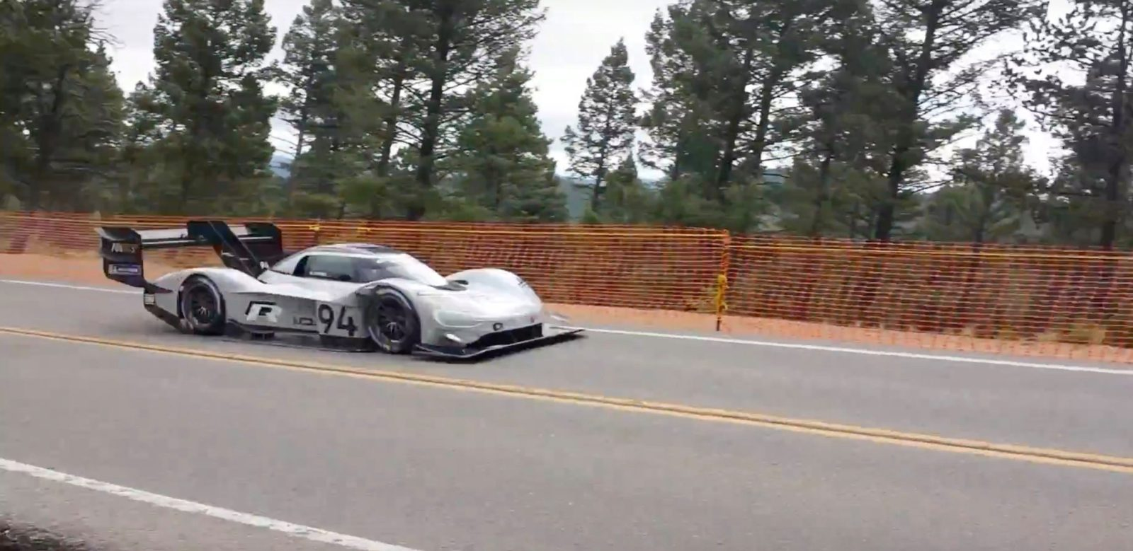 vw s all electric race car conquered pikes peak hill climb. Black Bedroom Furniture Sets. Home Design Ideas