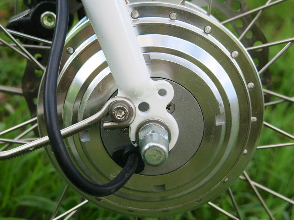 Electric bicycle hub motors vs mid-drive motors: Which