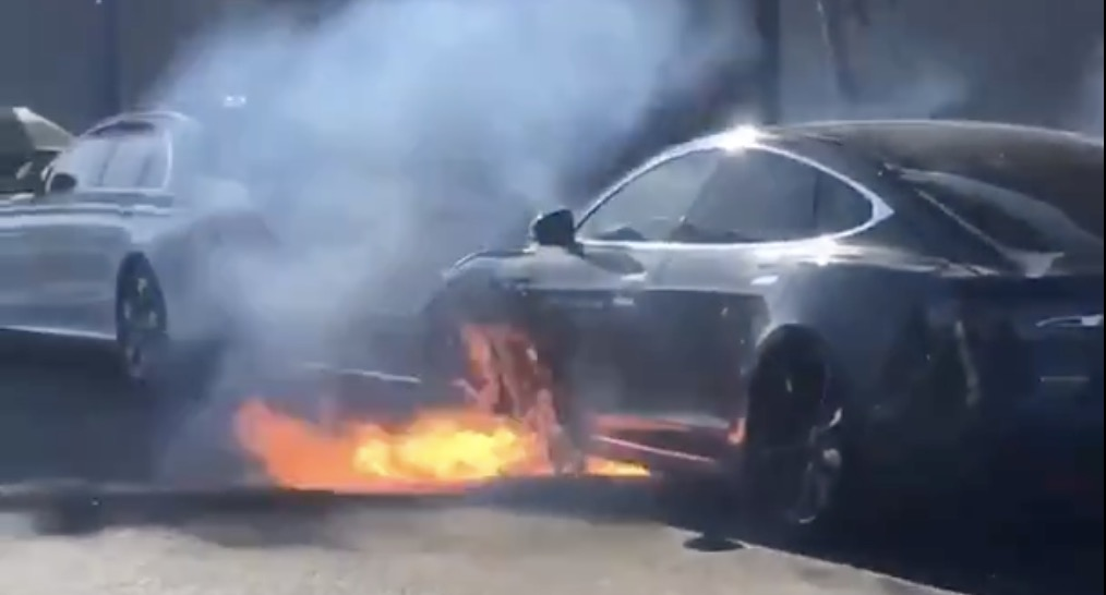 Tesla Model S Battery Caught On Fire Without Accident
