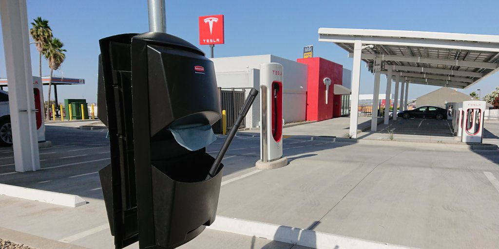 tesla finally adds highly requested feature to supercharger stations a squeegee station electrek supercharger stations