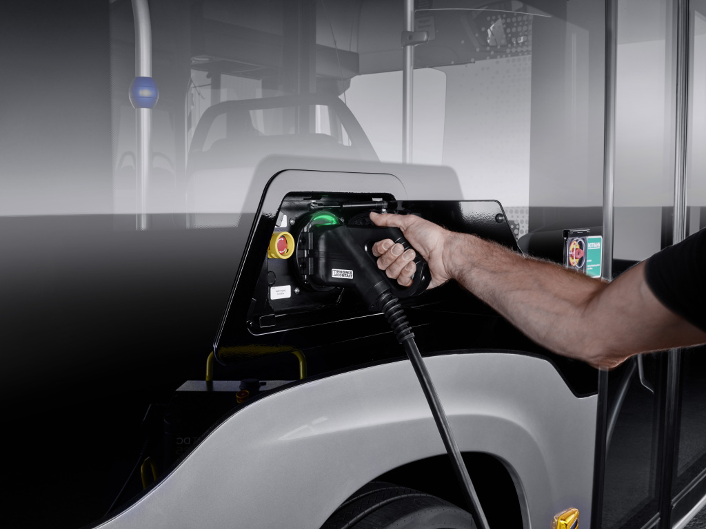 Mercedes‑Benz unveils new all-electric eCitaro bus