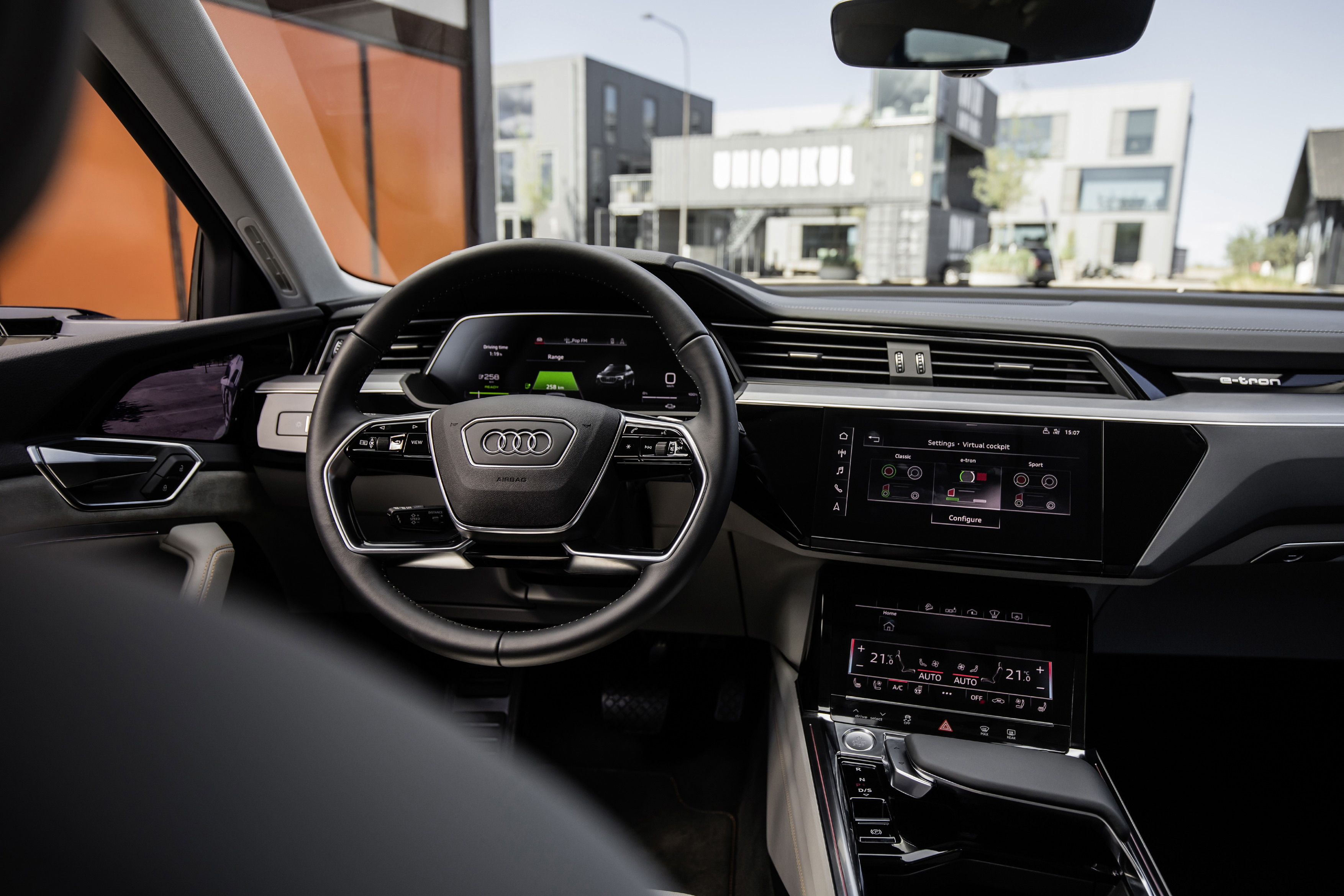 Audi Unveils Etron Quattro Electric SUVs Interior Electrek - Audi interior