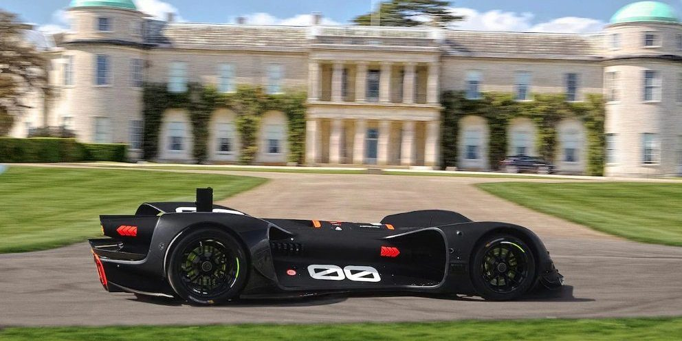 Watch the all-electric, driverless Robocar at the Goodwood hillclimb in this 360º video
