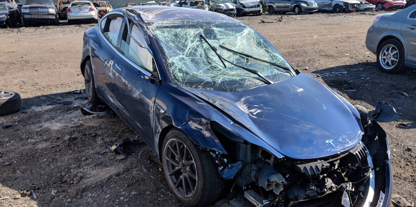 First Tesla Model 3 Rollover Crash Only Minor Injuries Car Performed Exceptionally Well Says Owner