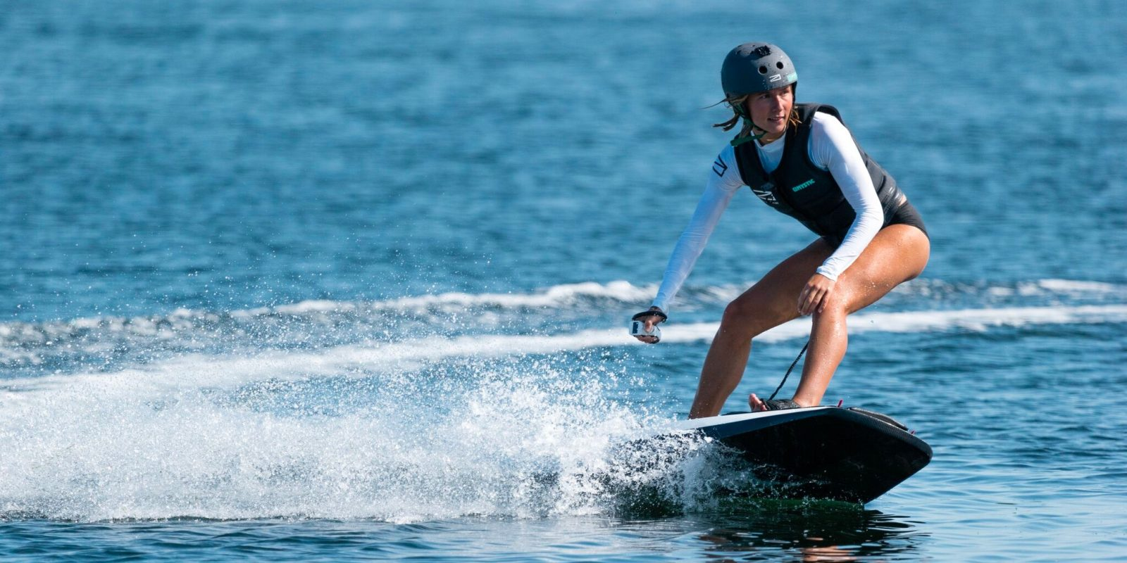 Water Hoverboard For Sale >> New Premium Swedish Electric Surfboard Is Making Waves In Extreme
