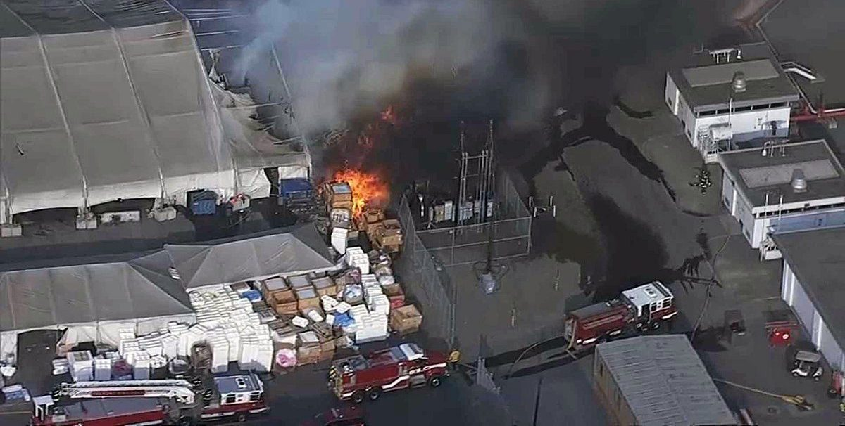 Mercedes Benz Fremont >> Tesla Factory structure caught on fire in Fremont [update ...