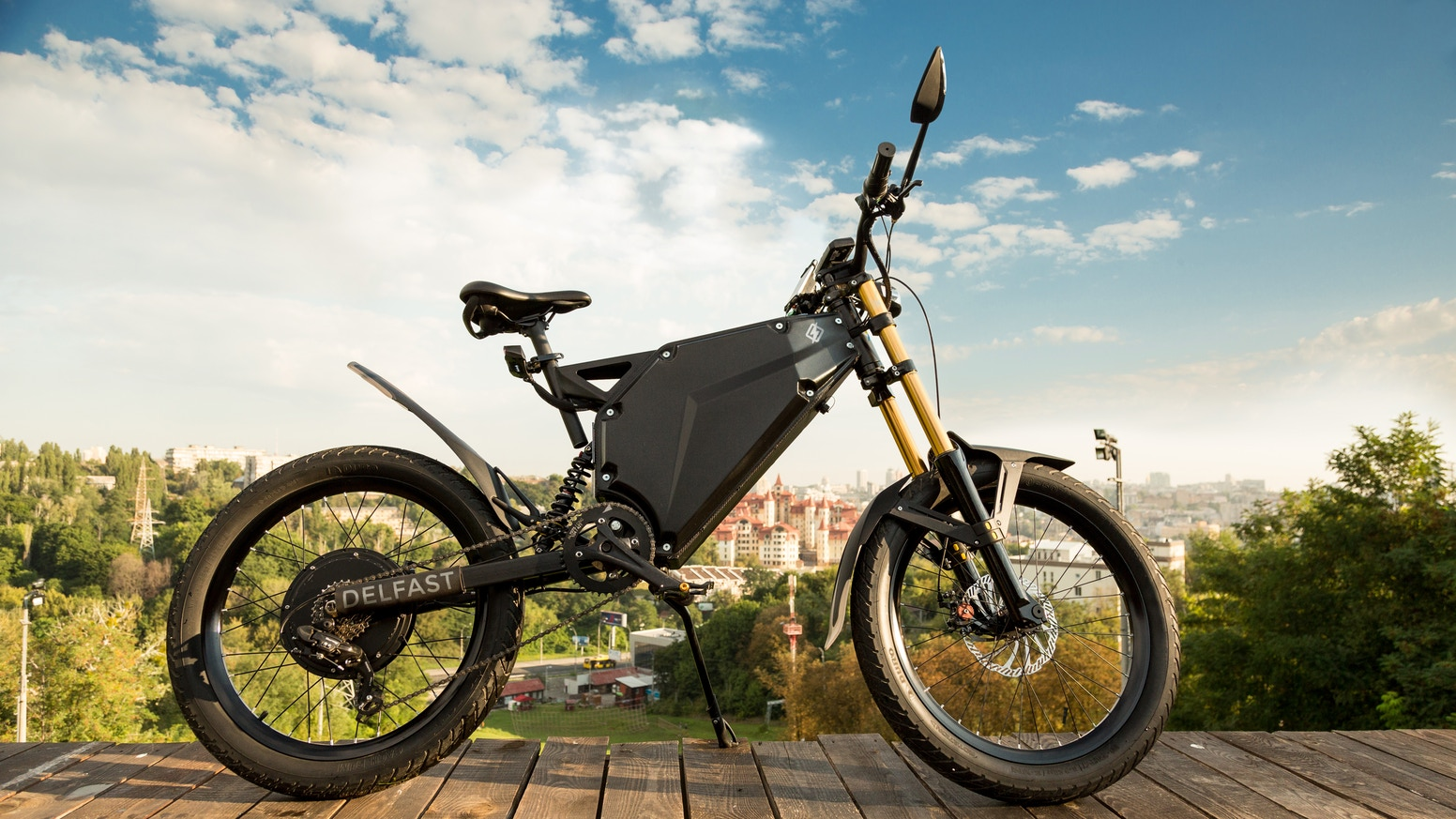 Delfast electric bikes set world record for range and enter full production