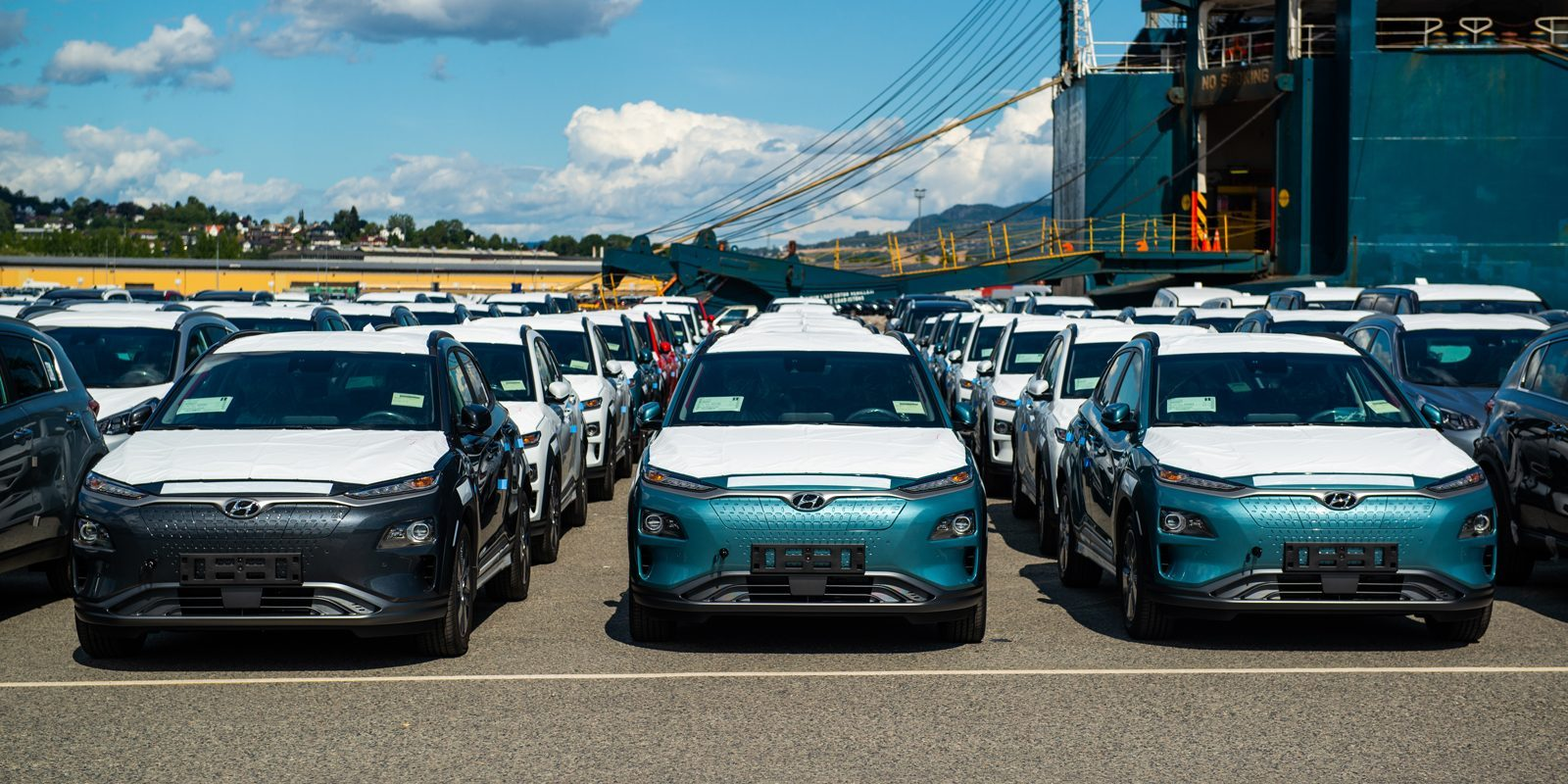 first electric motor car. Hyundai Delivers First Kona Electric CUV To Norway, Says It Has Over 20,000  Reservations Electric Motor Car