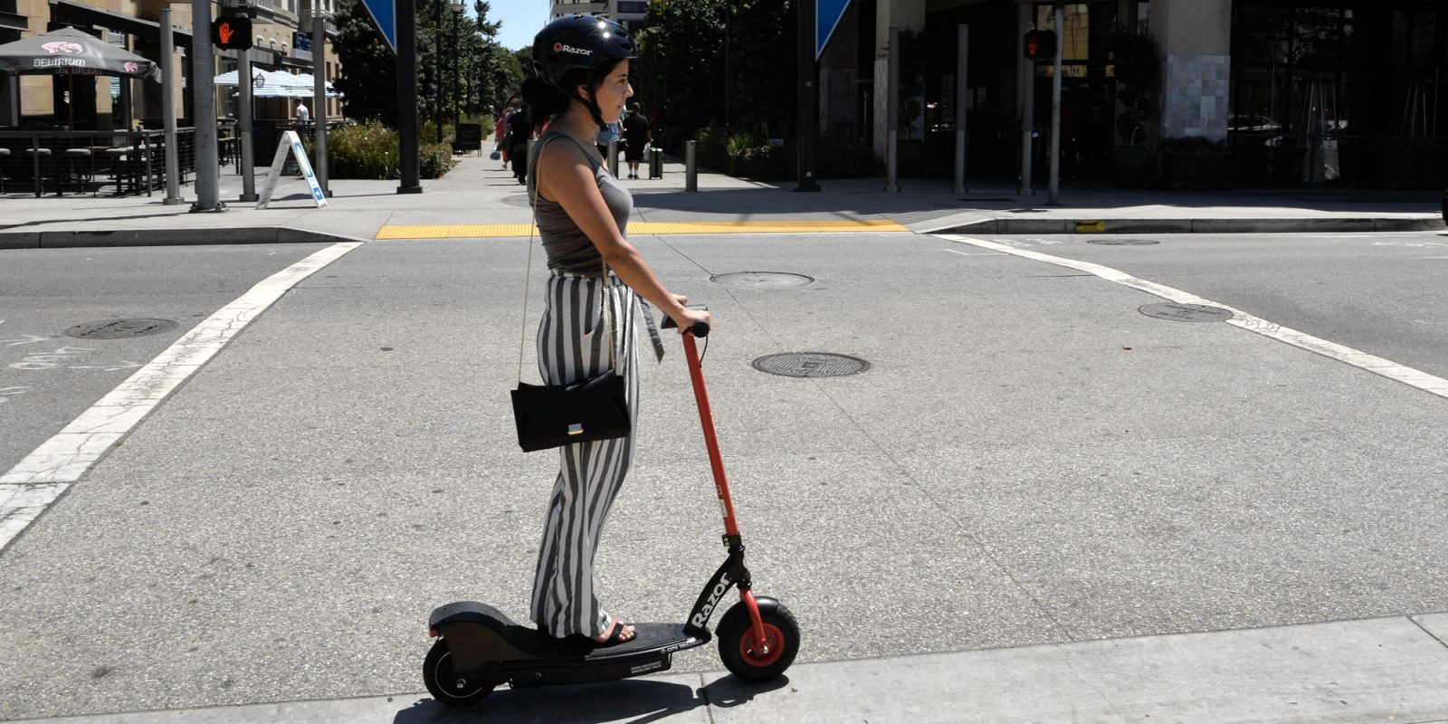 Razor Joins The Wave Of Electric Scooter Als Becoming First In Long Beach
