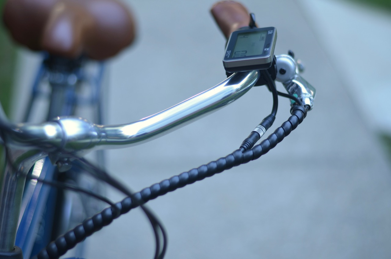 Review: The Blix Aveny electric bicycle is a Dutch-style bike that ...