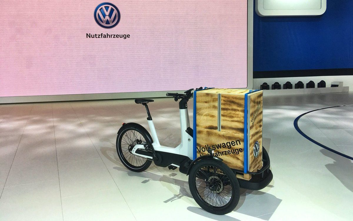 vw unveils a series of new commercial all electric. Black Bedroom Furniture Sets. Home Design Ideas