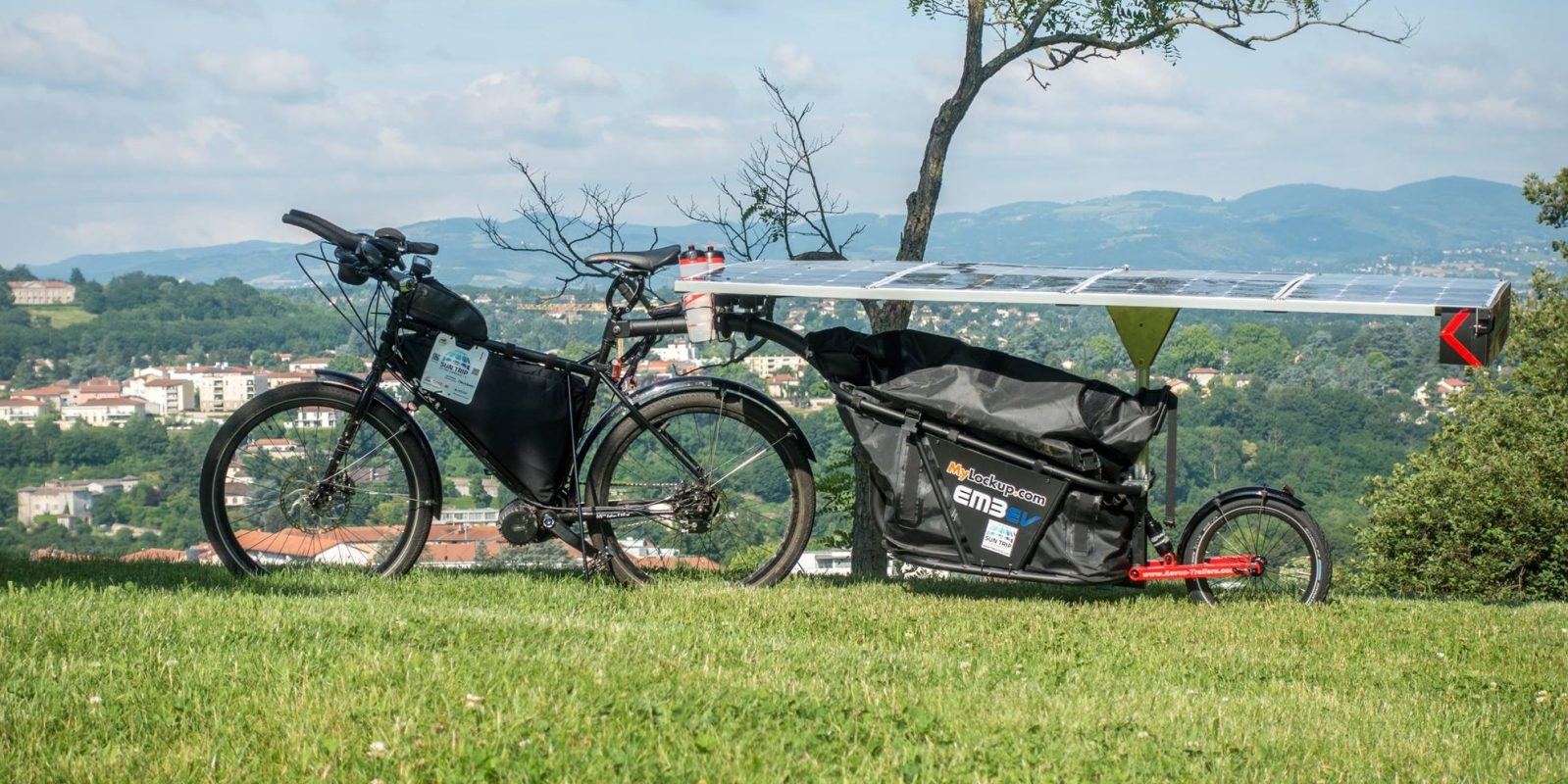 This solar powered electric bicycle went 12,800 km in 64 days!