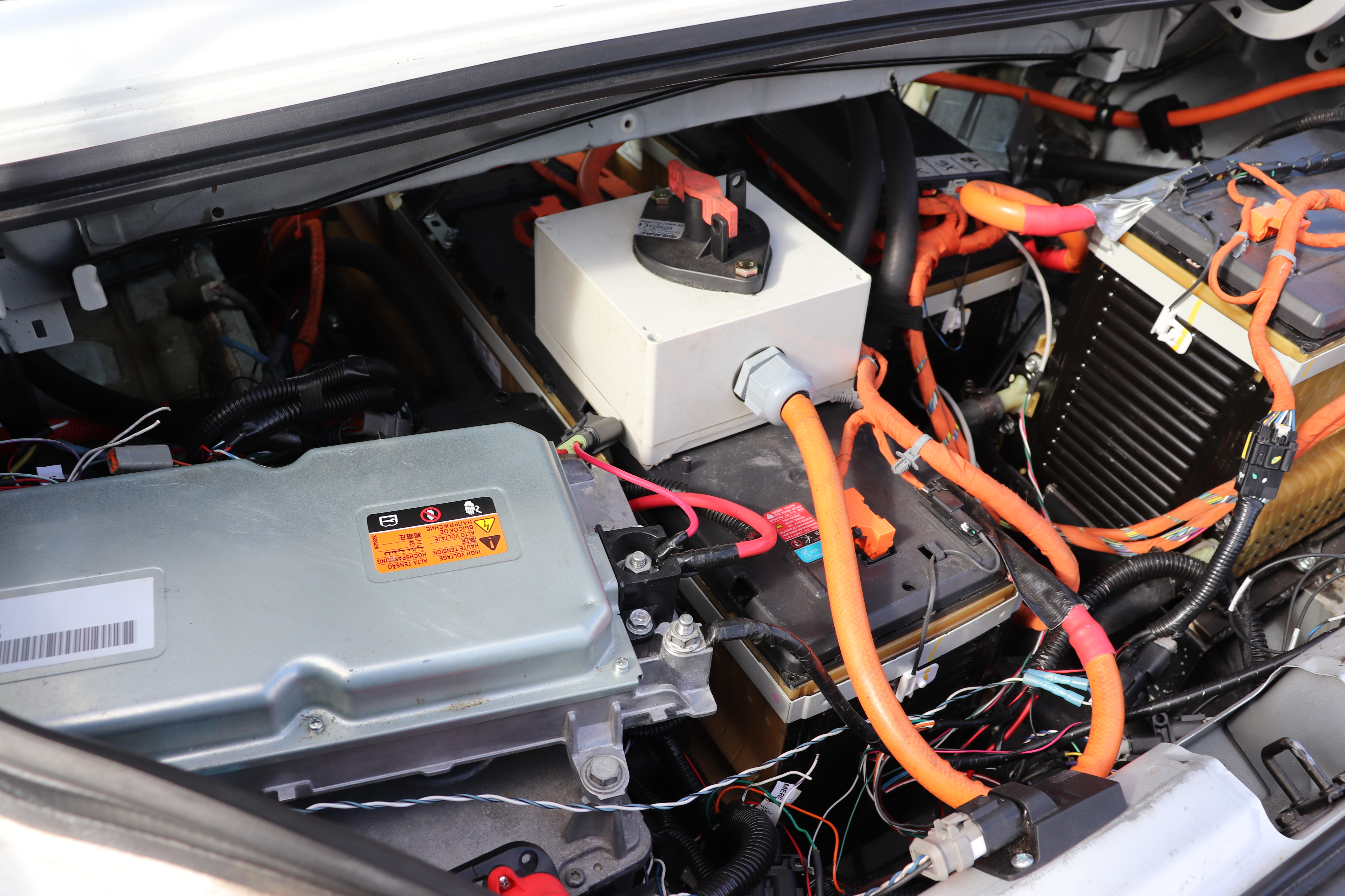 A Tesla Powered Honda S2000 Runs Quarter Mile In 10 Seconds Electrek Wiring Garage For The Reason Behind Using Chevy Volt Batteries Is Because Of Their Higher Discharge Rate Than Battery Modules