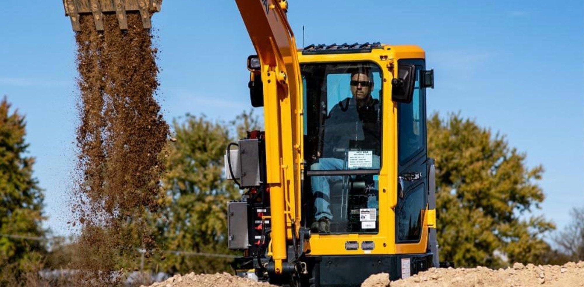 Cummins and Hyundai made an all-electric excavator as heavy machinery goes electric