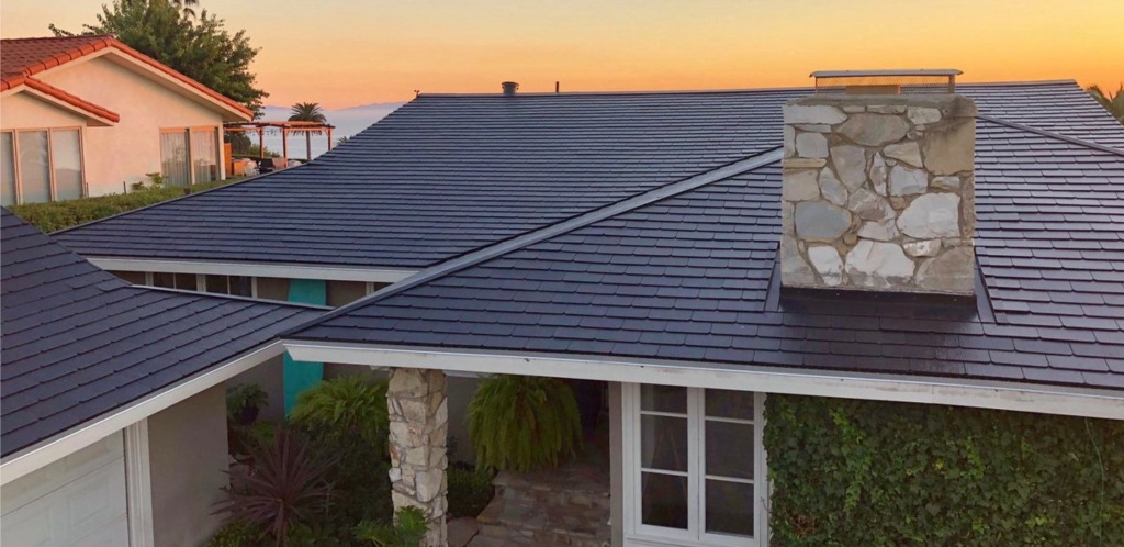 Tesla Solar Roof Volume Production Is Delayed To Next Year
