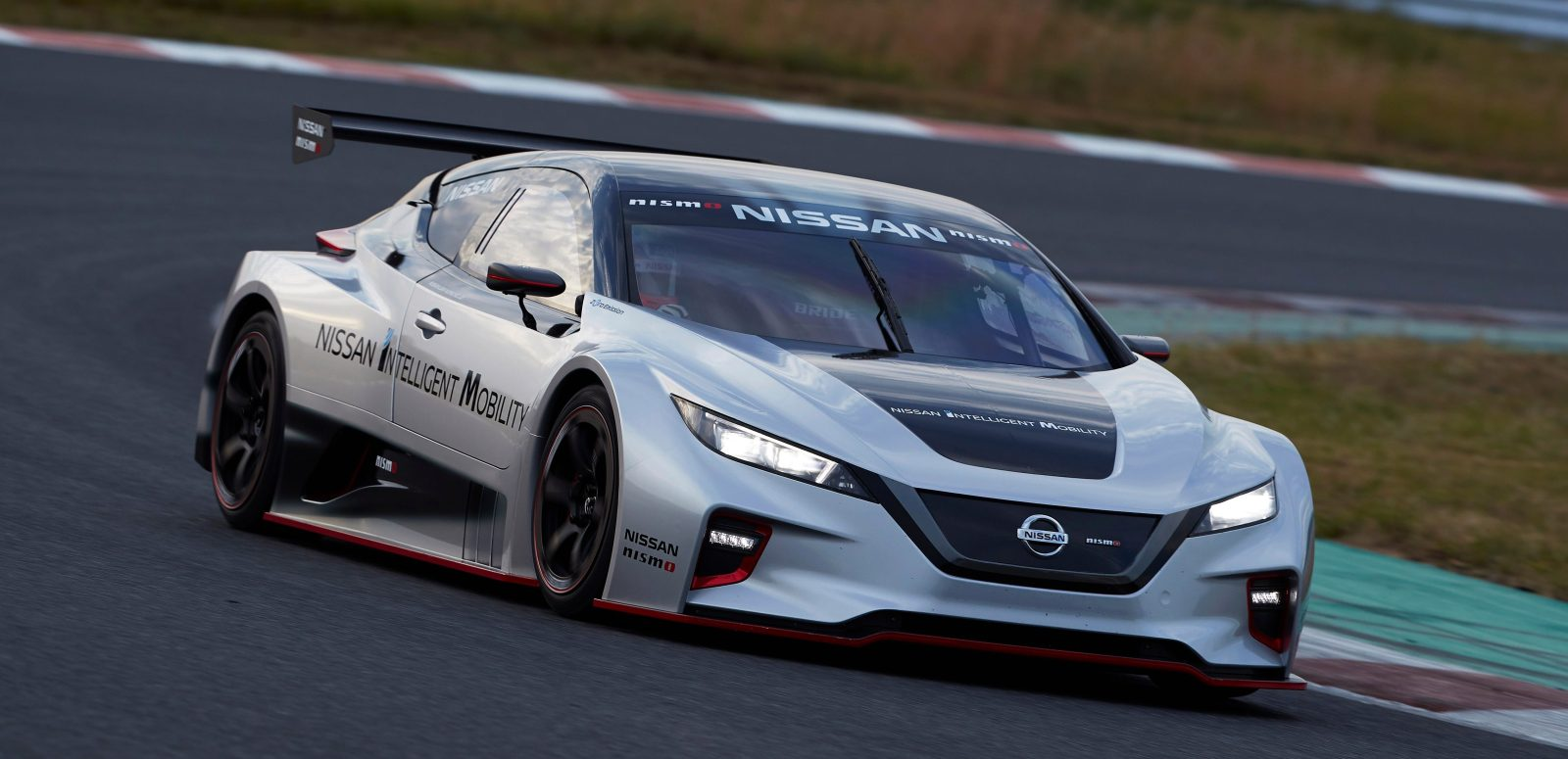 Nissan Unveils New Leaf Nismo Rc Electric Race Car With Dual Motors