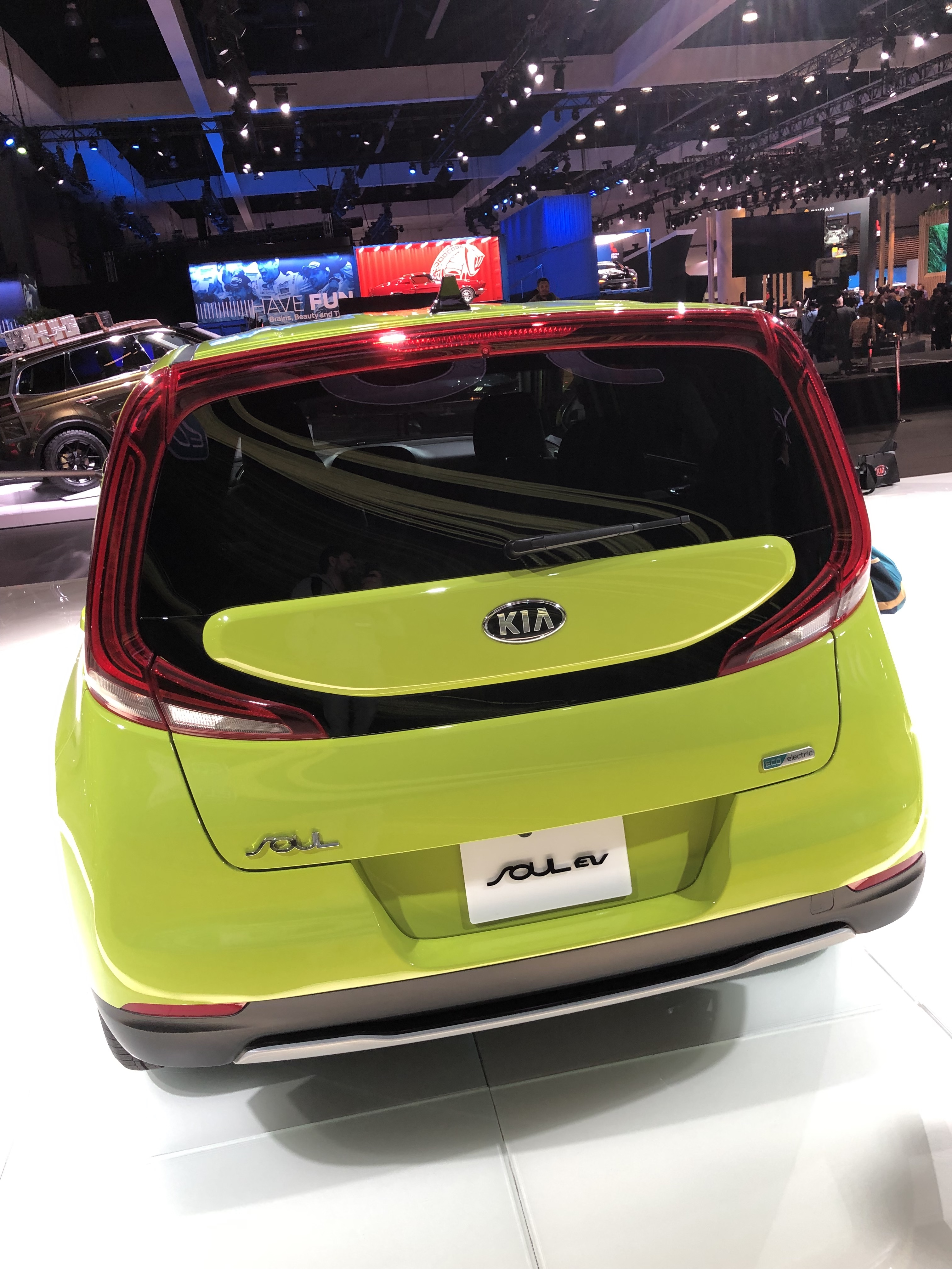 Kia Unveils 2020 Soul Ev With 201hp 64kwh 200 Mile Battery And