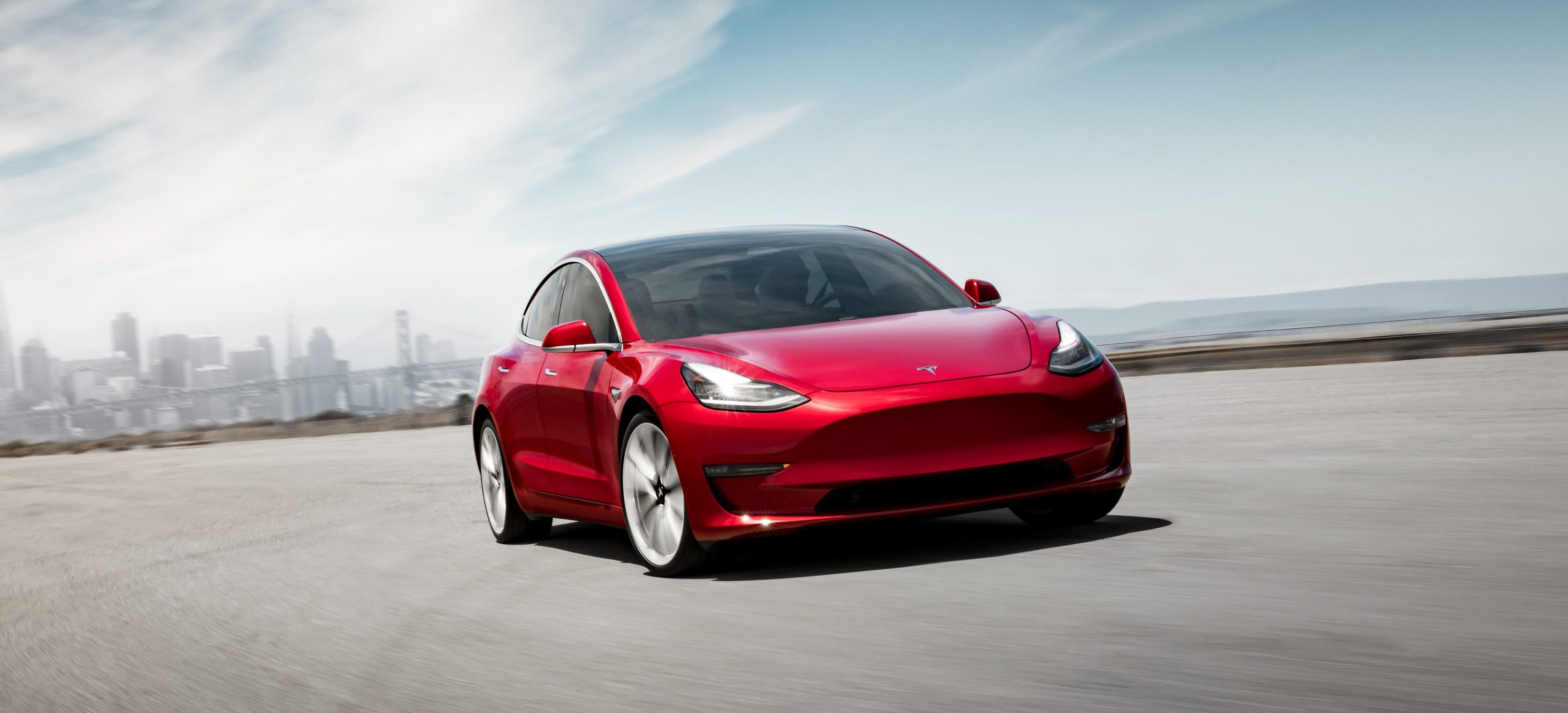 Tesla removes any mention of standard Model 3 battery from website – fans panic