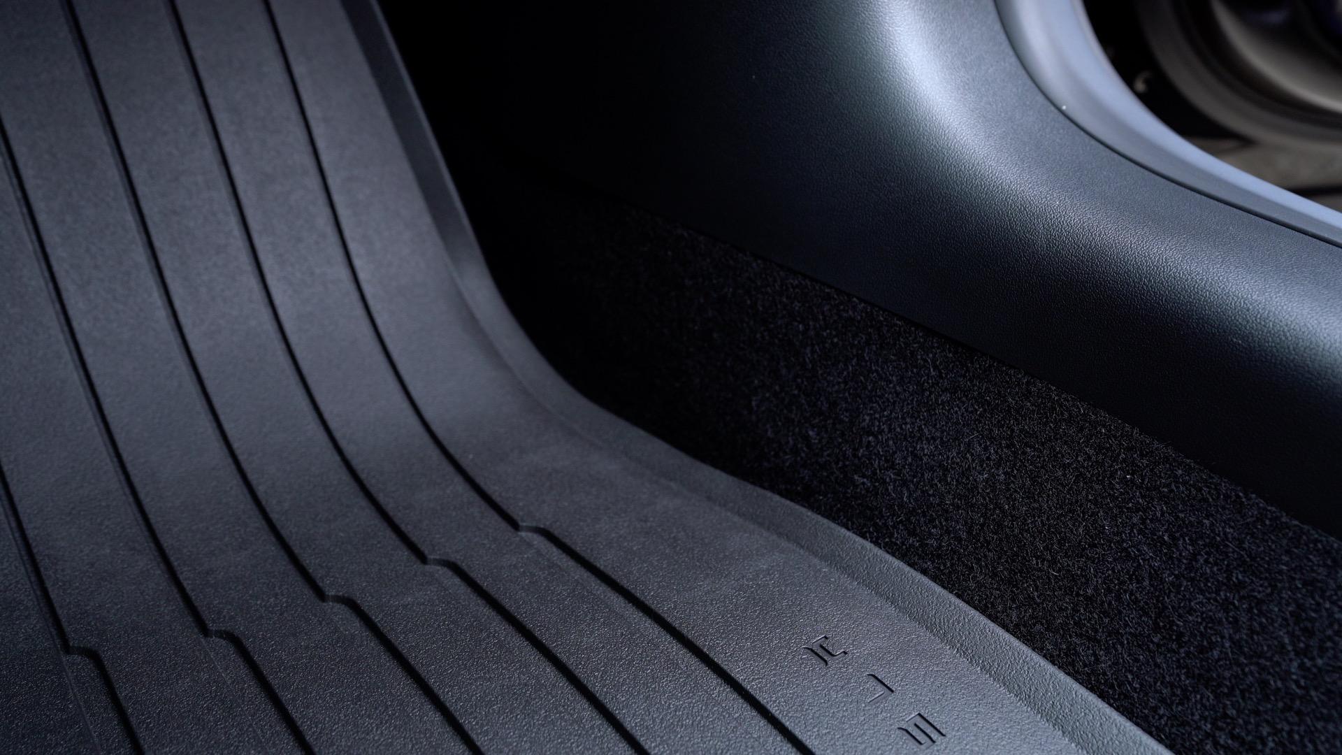 hands-on for winter  installing official tesla model 3 all-weather floor mats  video